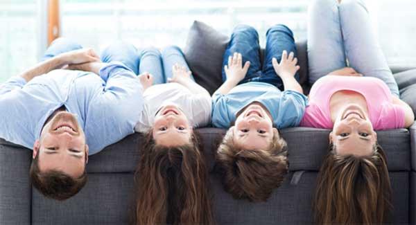 Entspannte und glückliche Familie durch Beratungsimpulse - Christina Zehetner